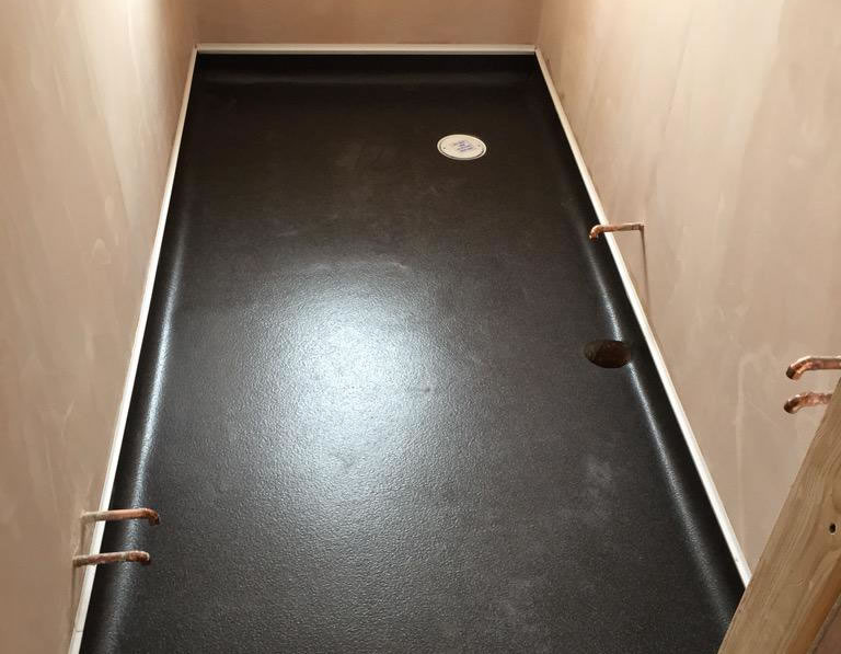 Wet room vinyl flooring uk new wet room g j flooring for Bathroom design derby